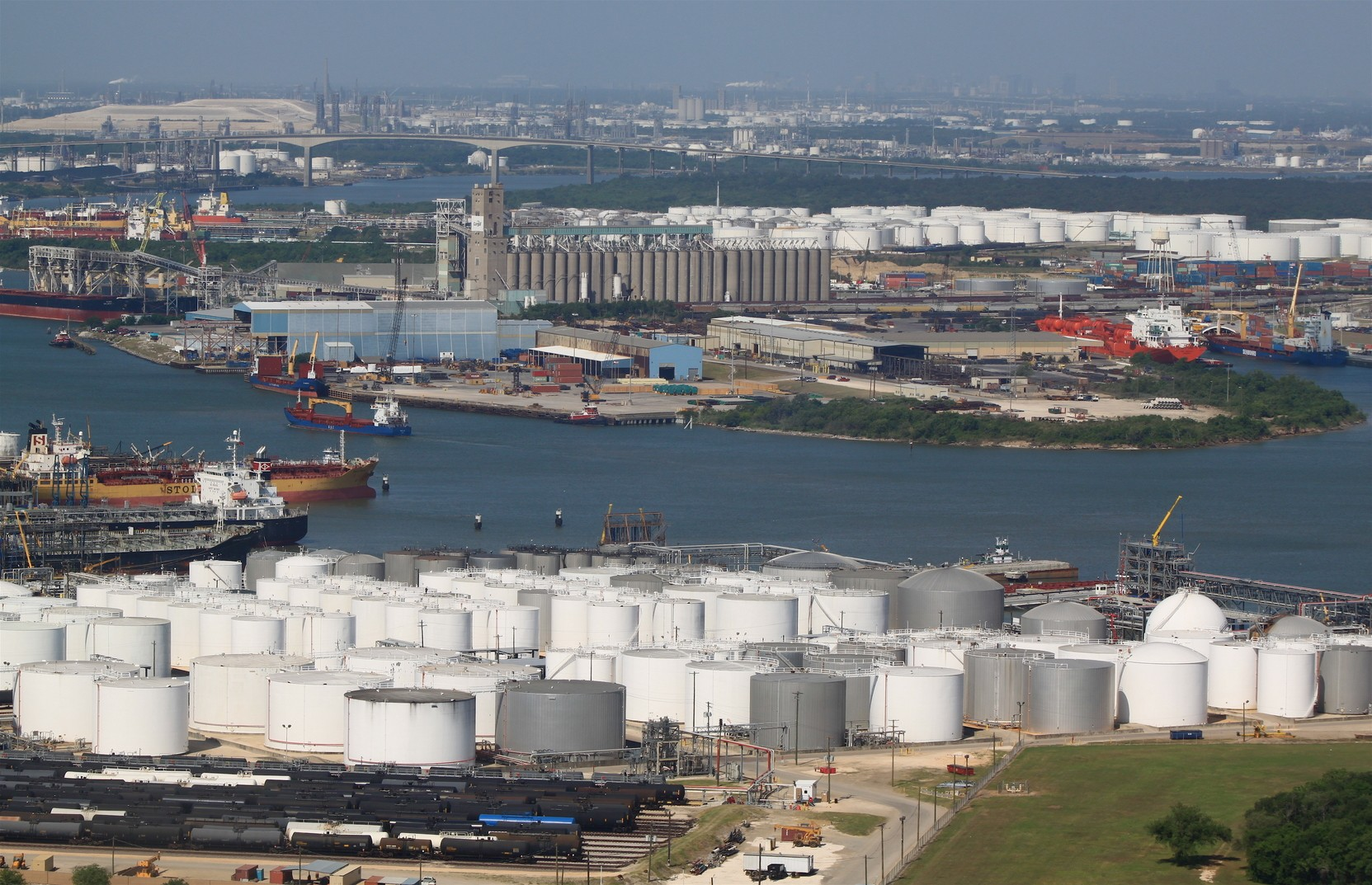 houston ship channel storage tanks and barge traffic from the vopak terminal
